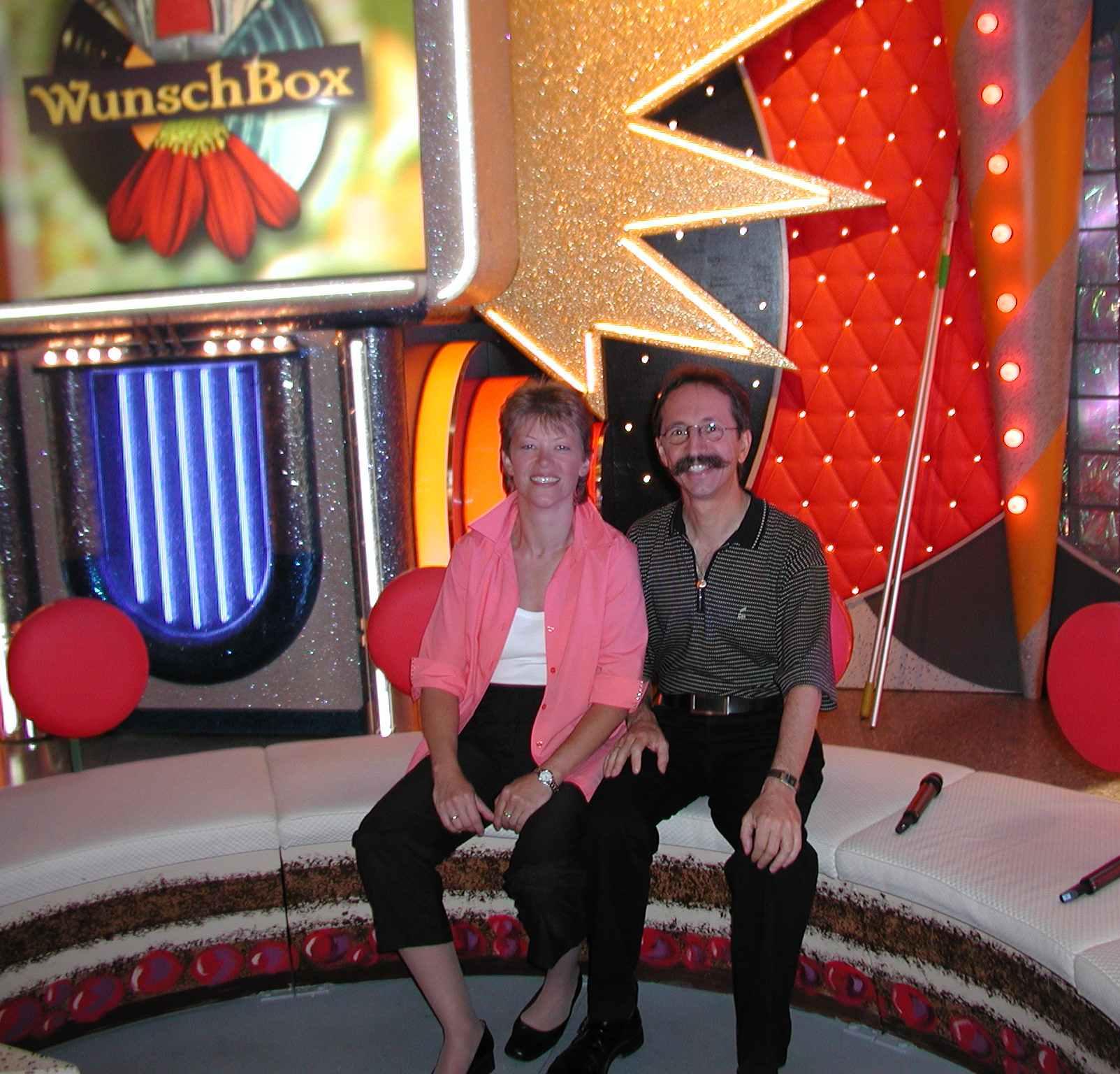 Das Foto zeigt Klaus E. Acker in der ARD Fernsehsendung Wunschbox als Talkgast. Thema: Grenzerfahrung Feuerlaufen